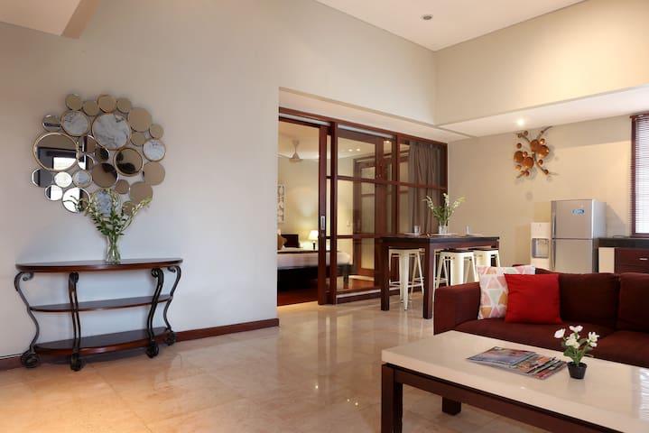 Seminyak Escape Villa Upper Floor, w/ Private Pool