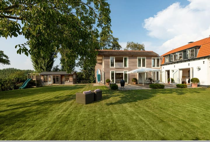 A Luxe and warm Family House near Amsterdam