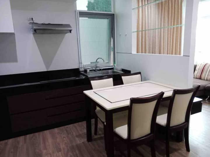 2 bed/2 bath, 74 sqm near MRT Ratchadapisek (5min)