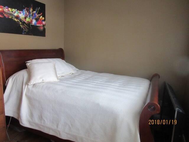 Double bed main floor