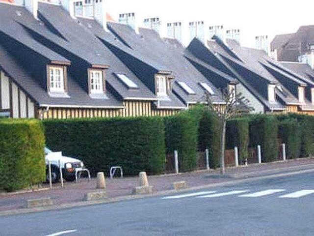 Maisonnette Le Village de la Plage - Villers-sur-Mer - Huis