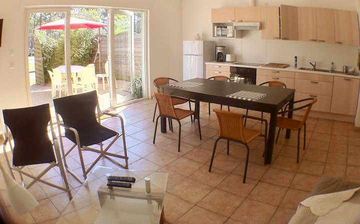 Maison séjour- terrasse- jardin 200M de la plage