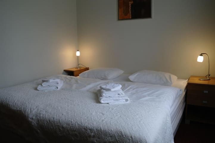 Standard double/twin room with a private bathroom.
