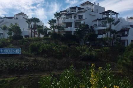 Apartamento en Benahavís - Benahavís