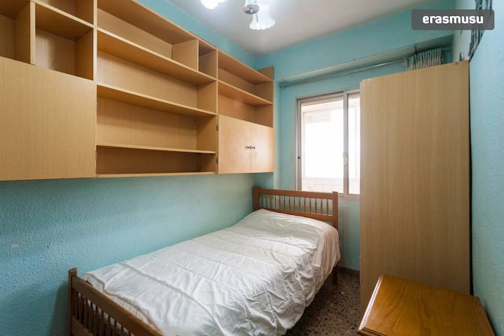 Private and comfortable room