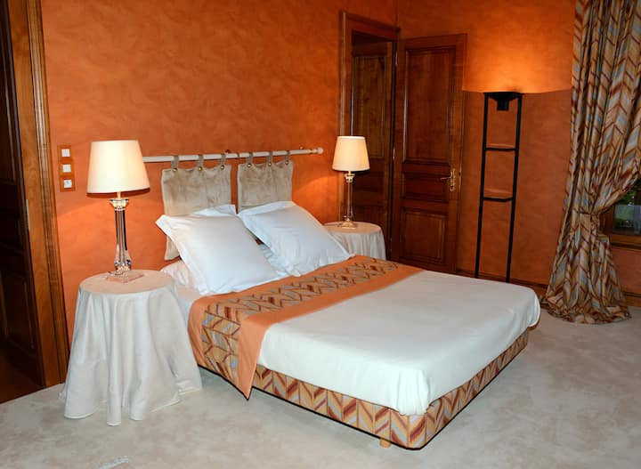 03. Ambre-Double room-Deluxe-Ensuite with Shower-Pool View