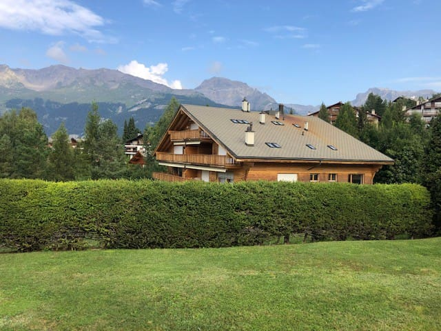 The Chalet Crans Montana (room 2, 2 single beds)