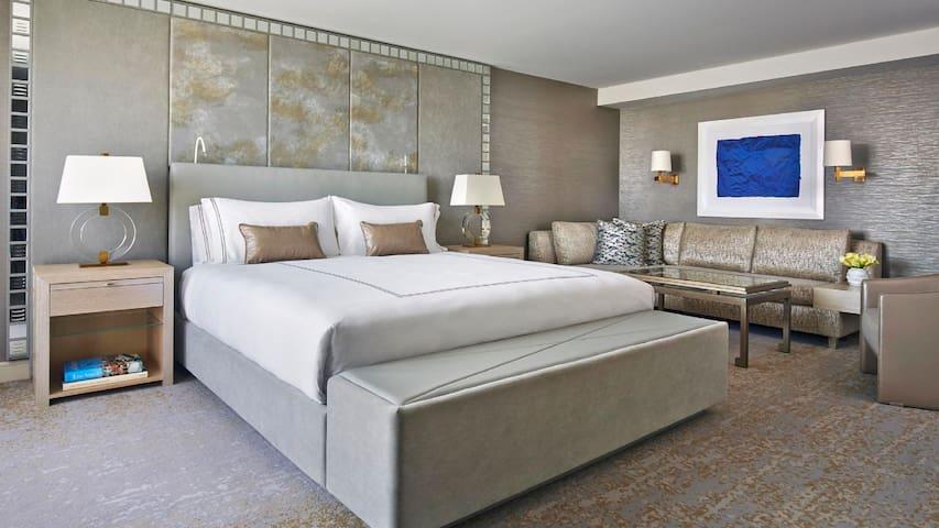 Viceroy Burton Studio Suite King Size Bed