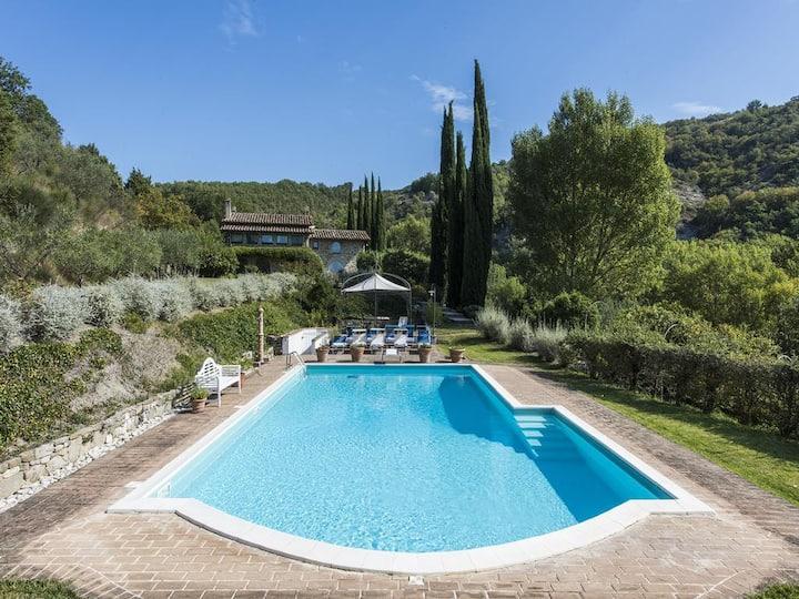 Villa panoramica con piscina ad Assisi