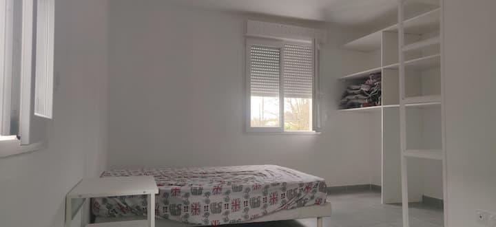 Chambre privée chez l'habitant près de Bordeaux