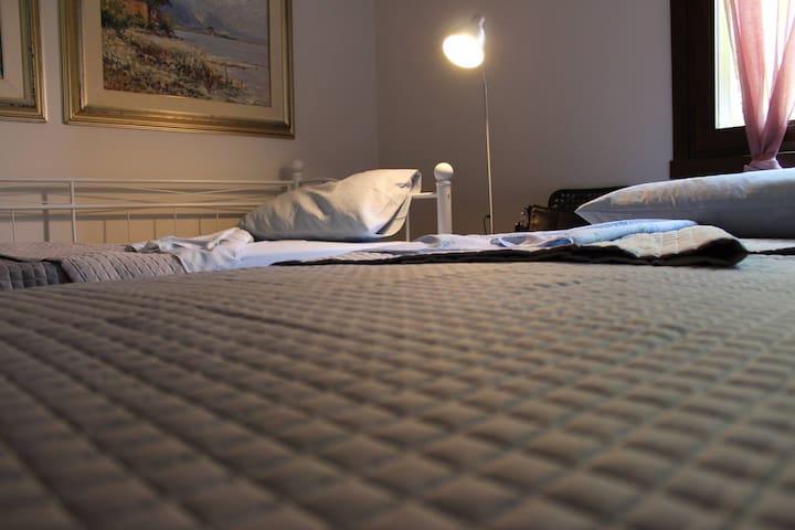 doppio letto singolo ad esigenza