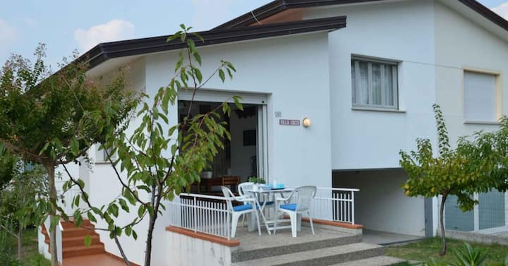 apt for 4+1 persons with a/c in Bibione R81798