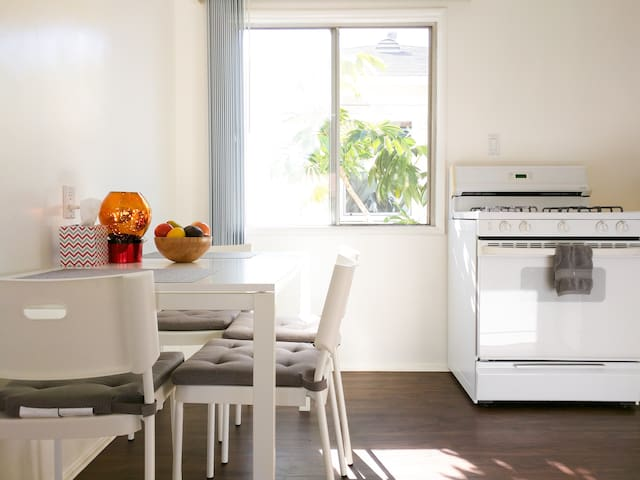 Spacious Two Bedroom by LAX / Beach / Venice - Los Angeles - Wohnung