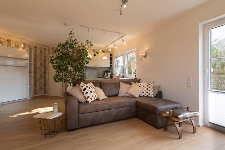 Wohn-, Schlaf-, Küchenbereich mit Fussbodenheizung