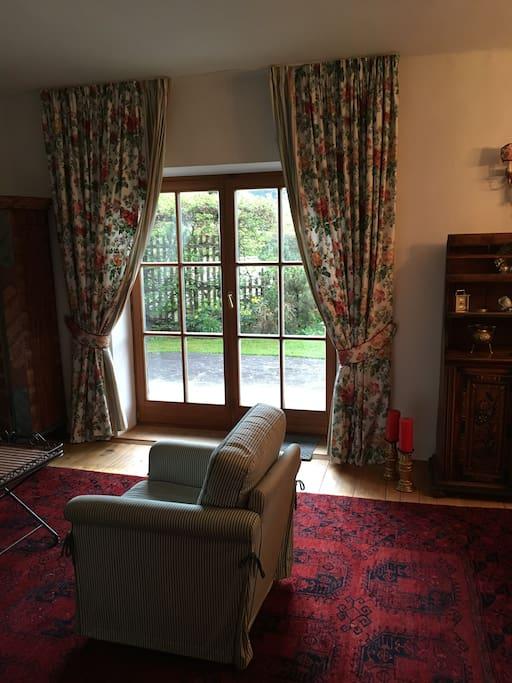 view of the living room; Blick aus dem Wohnzimmer auf den Hahnenkamm