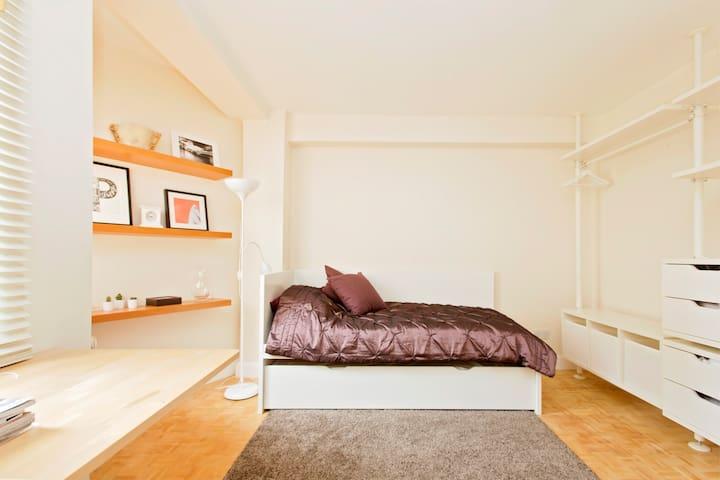 Chelsea Kensington Private Studio in Hotel complex