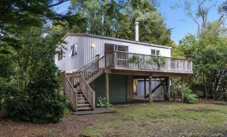 Tongariro River Treehouse