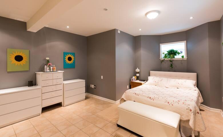 Modern Furnished 2 Bedroom Apartment