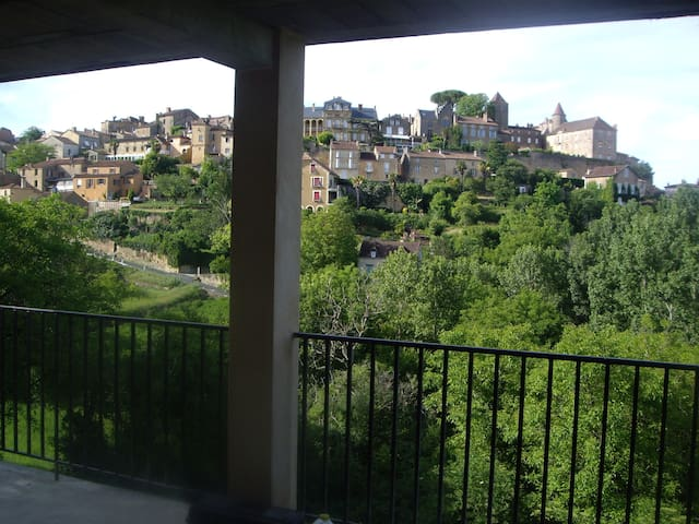 Appartement Belvès en Périgord de 2 a 4 personnes