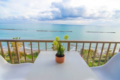 Sailing Away - Unobstructed Sea View Apartment