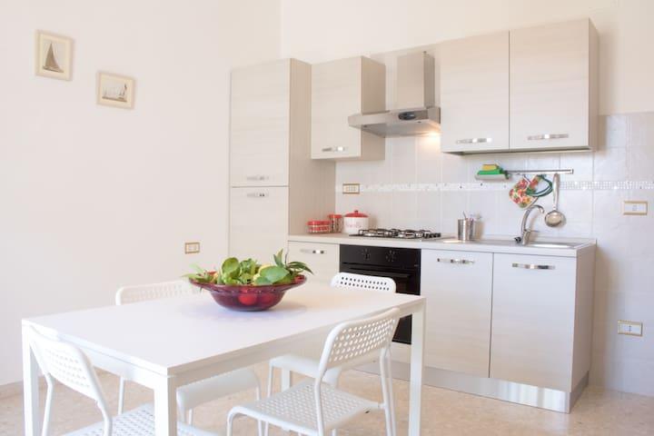 Stella Marina, relax e comfort in centro a Fondi - Fondi - Apartment