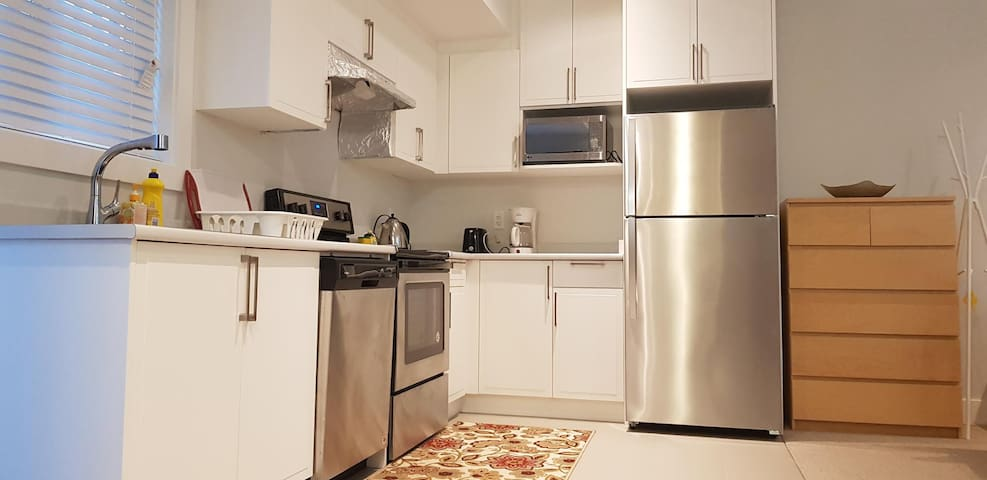 Brand NEW 1BR independent Guest Unit for 1-3guests