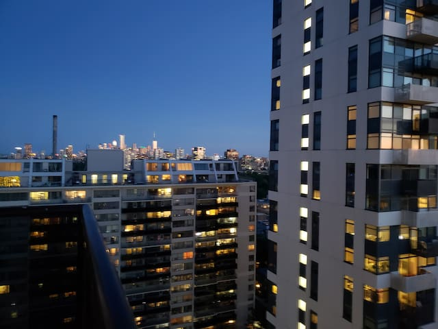 Cool Studio Heart Of Midtown-Great View-Paceful