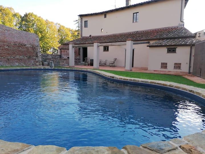 Maniero del Brunelleschi-Apt. LA STALLA+piscina