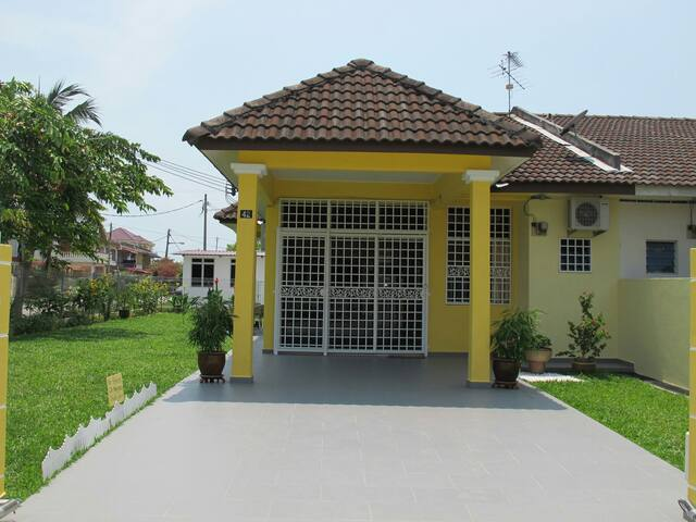 Port Dickson Leisure Homestay - Port Dickson - House