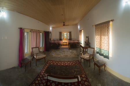 Mikali Terrace Studio Apartment - Dehradun - House