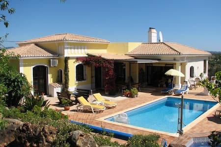Luxury villa with private heated pool, Algarve - Mexilhoeira Grande