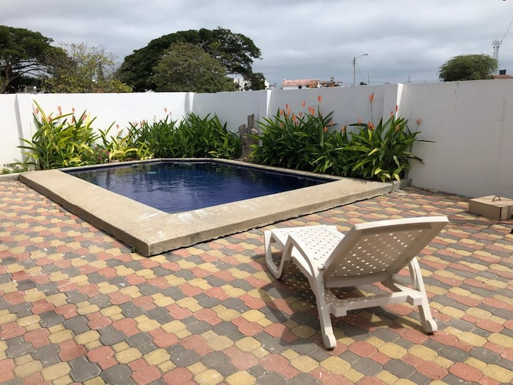Hermosa casa familiar de playa (piscina, Bbq,wifi)