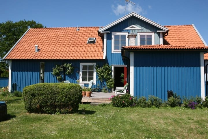 Renovated 19th century house, close to the sea