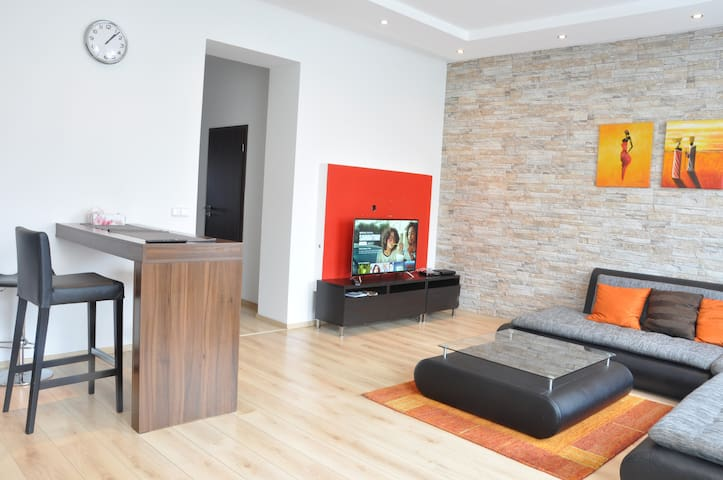 Kitchen with living room is well equipped and can serve to very comfortable mid- and longterm stays as the short city breaks! Welcome to our super comfortable apartment in nice residential area of Vršovice - Prague.
