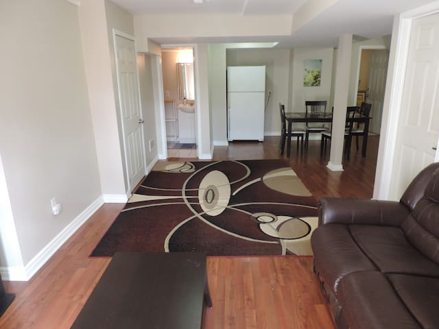 BRIGHT, CLEAN AND SPACIOUS GUEST APARTMENT