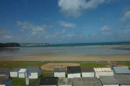 Grande maison face à la plage avec vue imprenable! - Douarnenez