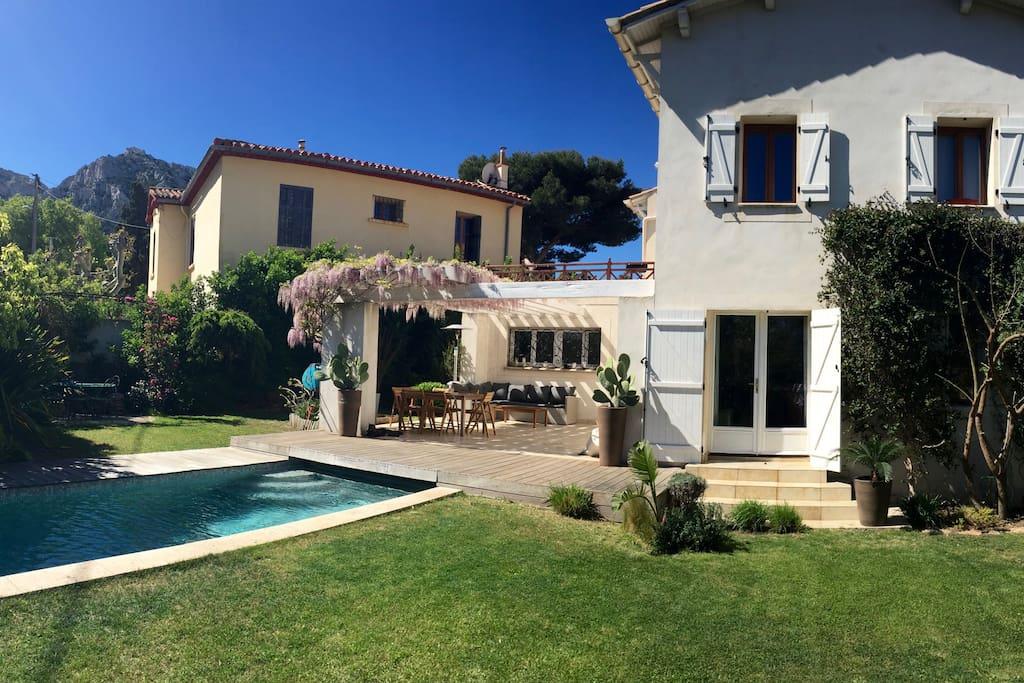 Suite dans une villa avec piscine chambres d 39 h tes - Chambre d hote marseille avec piscine ...