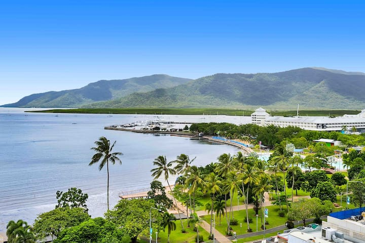 ♦️(123) HIGHEST Ocean Views in Cairns 1bdm 1 bth♦️
