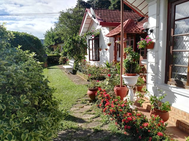 Comfortable Home Stay, new room - Kandy - Hus