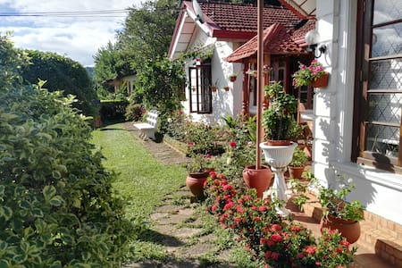 Comfortable Home Stay, new room - Kandy - Casa