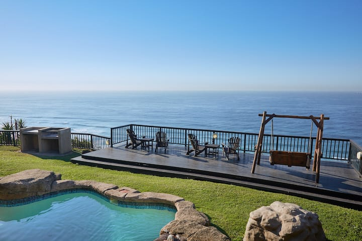 Vast sea views, pool and famous look out deck