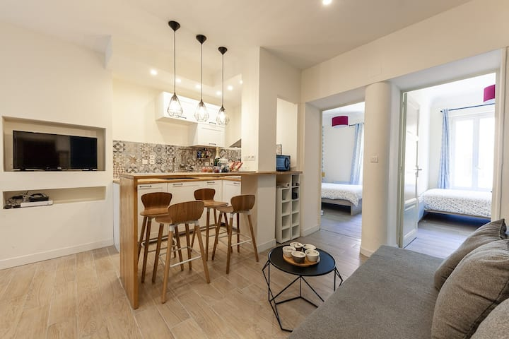 New flat in the center of Marseille, le Vieux port