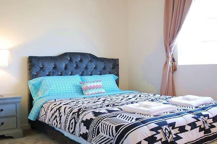 Bedroom B with queen size bed on 2nd floor