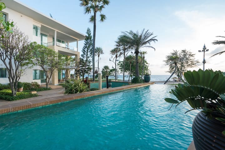2 BDR Beachfront Suite Apartment | Karon