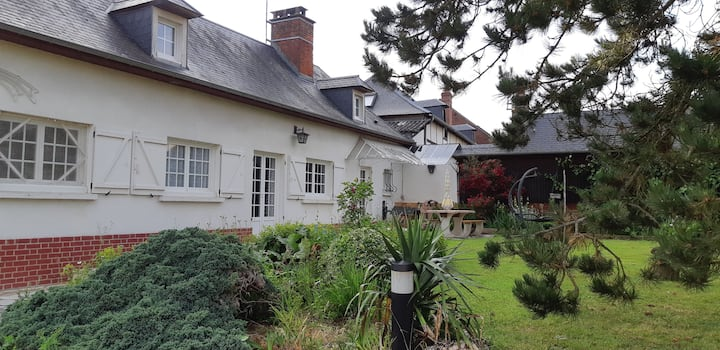 Entire house to rent in Agnières Picardie