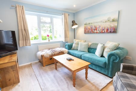 Lovely refurbished house with all mod-cons + patio