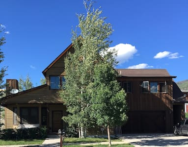 Stylish New Aspen-Area Retreat Near Everything!!! - Basalt