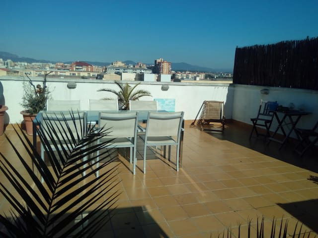 Habitación privada en Sabadel, 25 min de Barcelona - サバデル - アパート