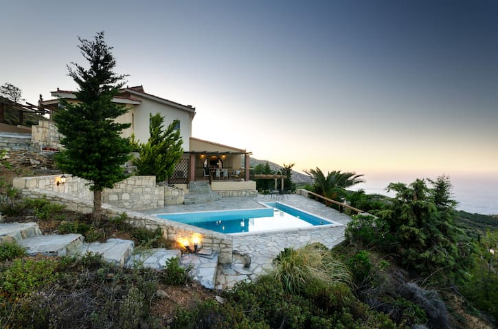 VILLA COZAL - Agia Pelagia - Villa