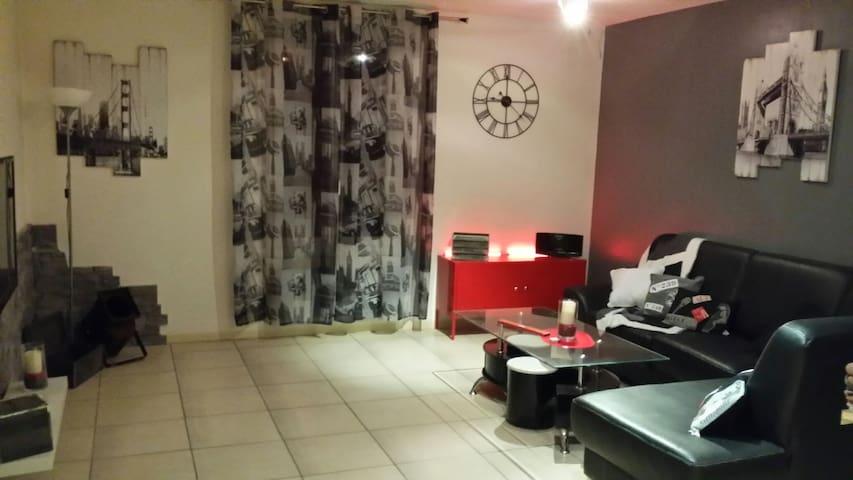 Joli appartement en duplex, Var - Rougiers - Appartement